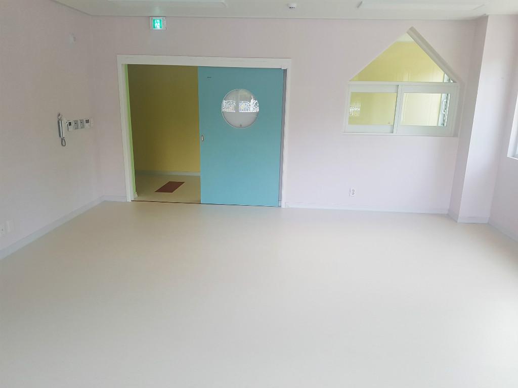 어린이집 바닥 유치원 인테리어 마루 마모륨 24.jpg