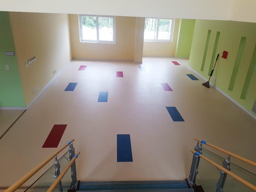 어린이집 바닥 유치원 인테리어 마루 마모륨 15.jpg
