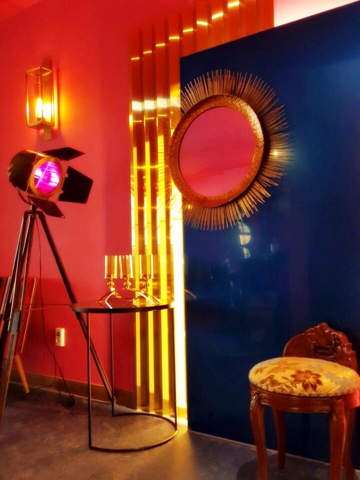 고급 바닥 장판 시공 마모륨 예쁜카페인테리어 8.jpg