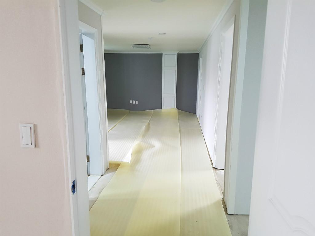 교회 바닥재 인테리어 강당 실내 디자인 예배당 마루 장판 9.jpg