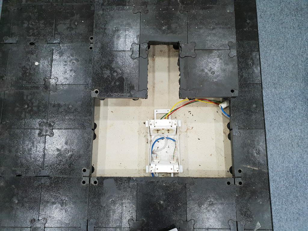 악세스플로어 access floor OA 사무실 바닥재 (2).jpg