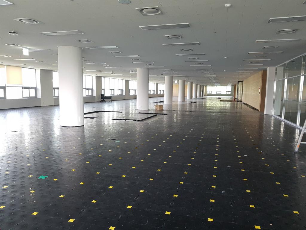 악세스플로어 access floor OA 사무실 바닥재 (25).jpg
